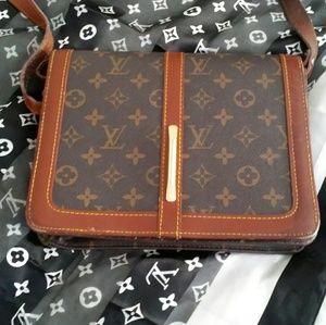 Vtg Louis Vuitton Hard Side Cross Body Messenger